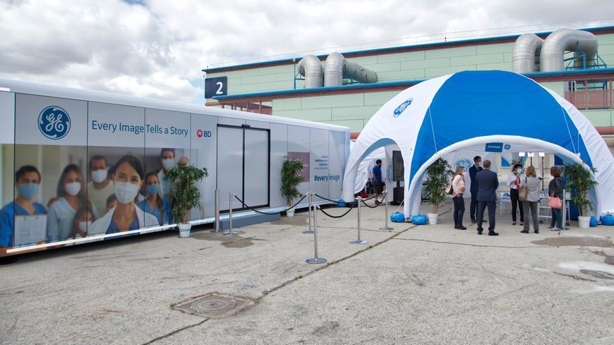 Un camión recorre España mostrando la aplicación de la inteligencia artificial en el diagnóstico médico