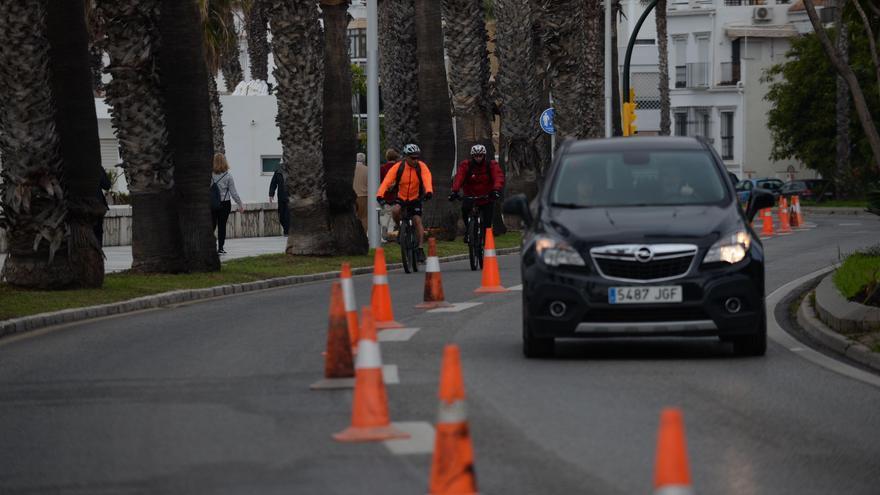 El Ayuntamiento de Málaga vuelve a cerrar a los coches un carril del paseo marítimo este fin de semana