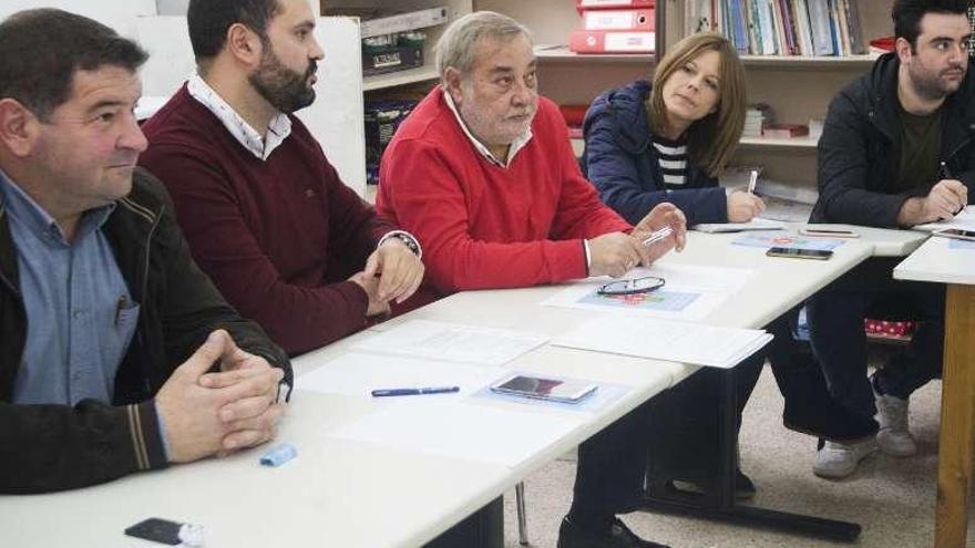 Los socialistas gallegos, divididos al elegir delegados