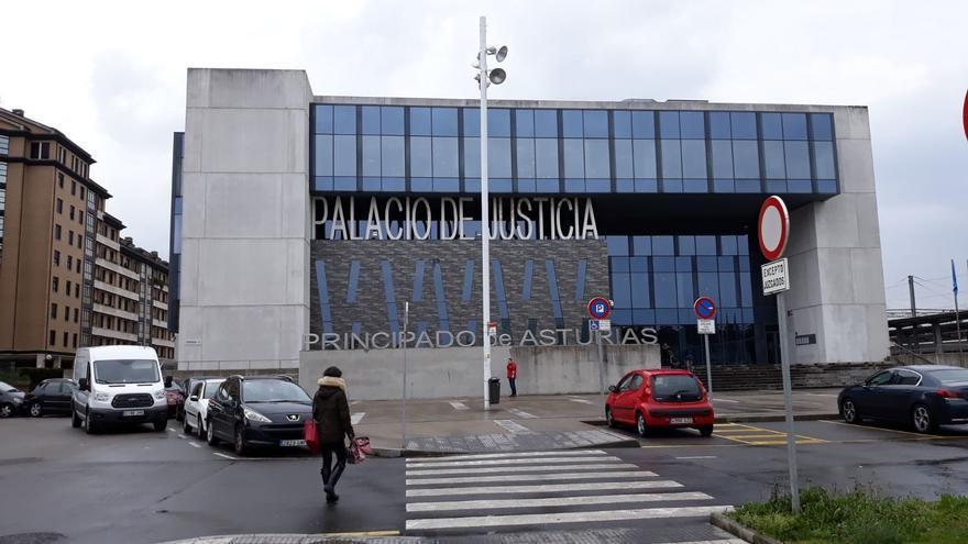 Solicitan la condena de una mujer por estafar 138.000 euros a su pareja, aprovechándose de su discapacidad intelectual