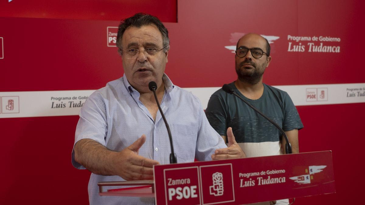 José Ignacio Martín Benito junto a Eduardo Folgado en la sede del PSOE de Zamora en una imagen de archivo.