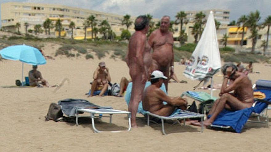 """El desnudo en la playa de los """"viejos"""", """"inmoral"""" y """"repulsivo"""""""