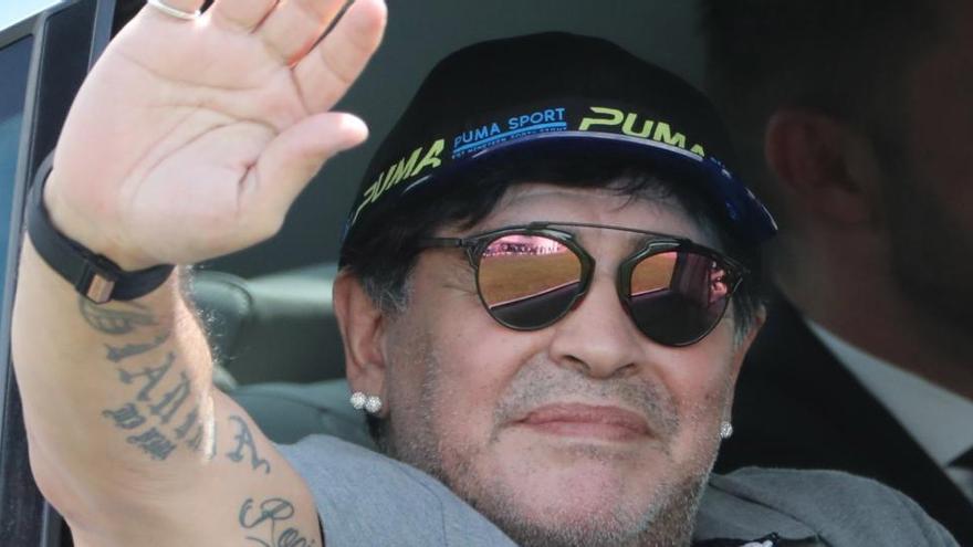 El agente de Maradona culpa al retraso de los médicos