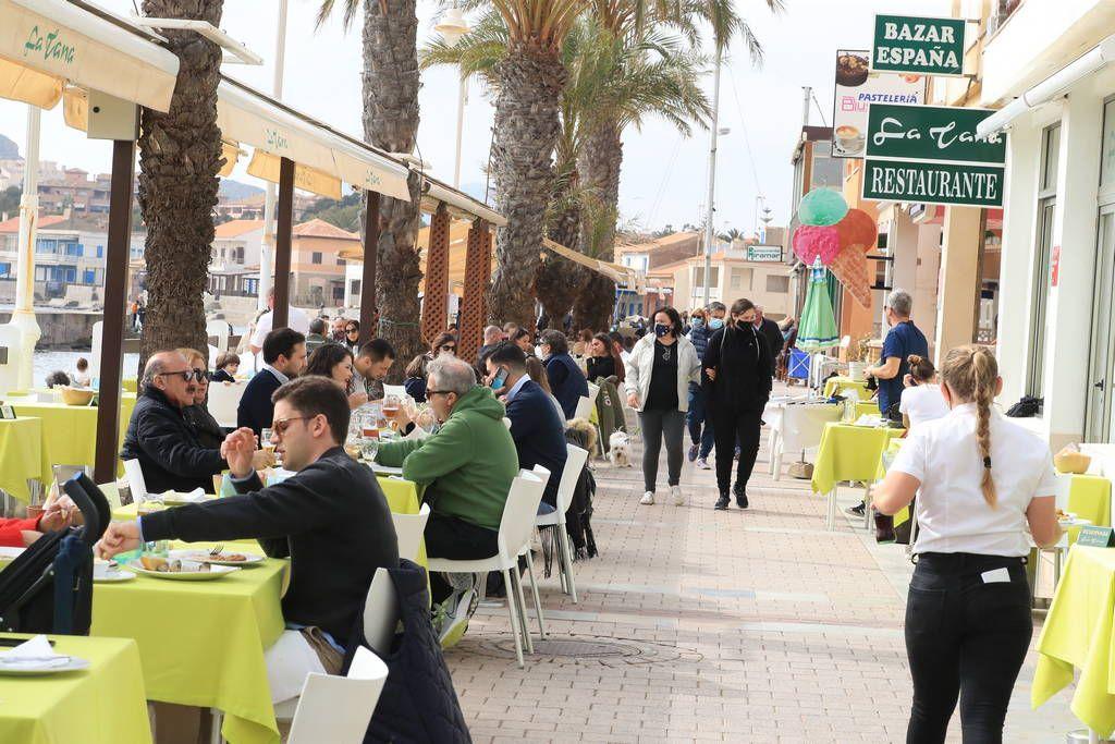 Así es el ambiente en Cartagena en el primer fin de semana con terrazas abiertas