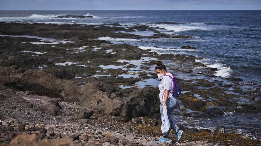 Frenazo al plan de Yaiza Castilla  para el uso turístico de los charcos
