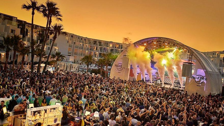 Prueba piloto en Ibiza: de los 1.500 asistentes podrán bailar unos 800
