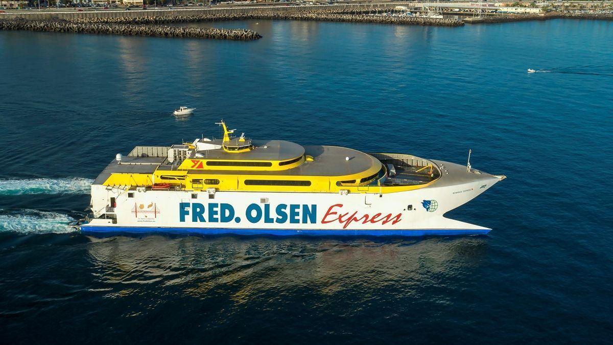 Uno de los buques que ha usado Fred. Olsen para unir Canarias.