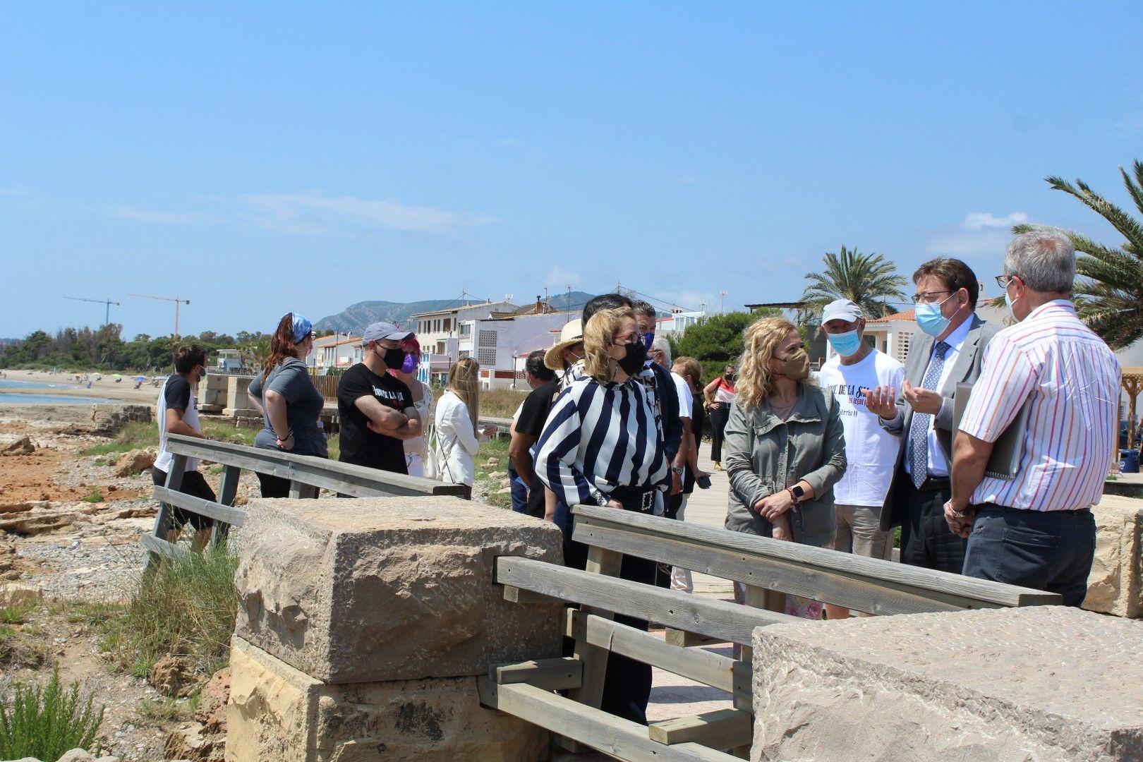 Puig visita Torre la Sal y descarta el derribo del poblado