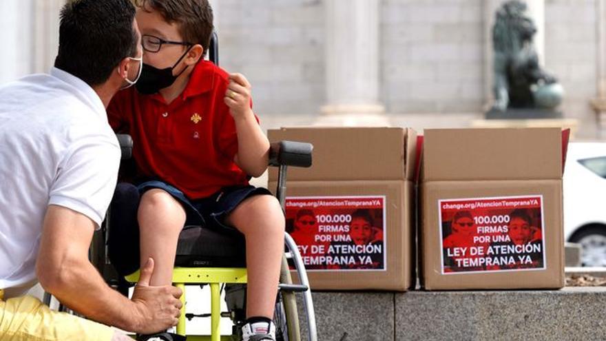 100.000 firmas en el Congreso para la atención temprana universal