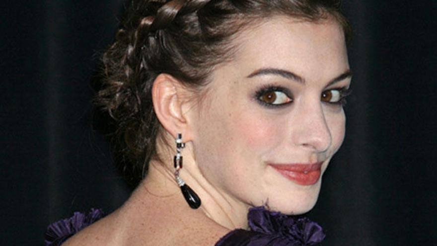 Los 'hackers' filtran fotos de Anne Hathaway desnuda