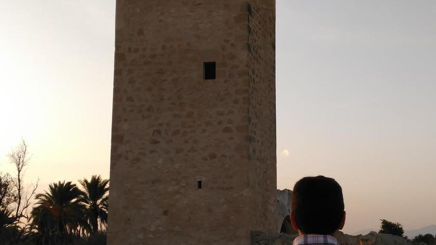 Condenados cuatro grafiteros por dañar una torre protegida de San Juan