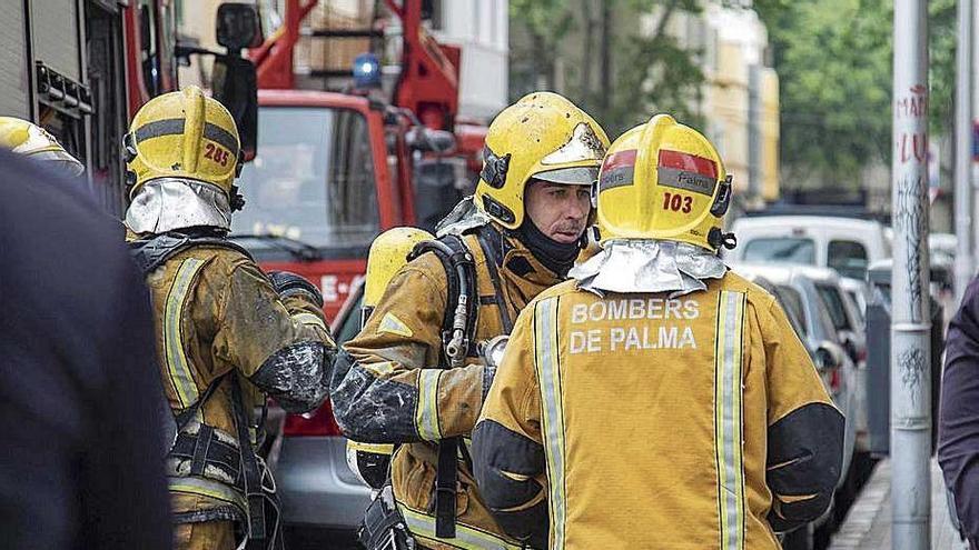 Rescatan a un atrapado por un derrumbe en una casa de s'Arenal