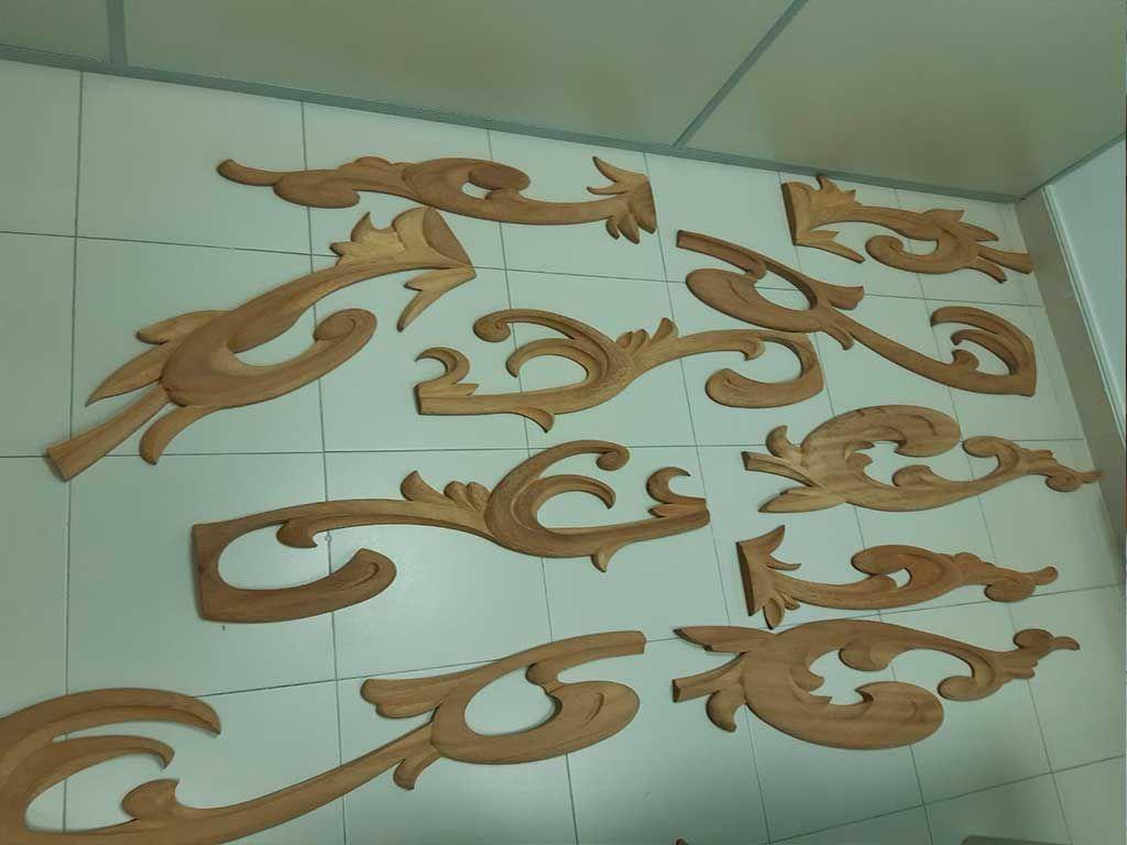 Las piezas decorativas talladas
