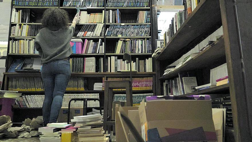 Novedades, clásicos y temas locales sirven de empuje al repunte en las librerías de Zamora