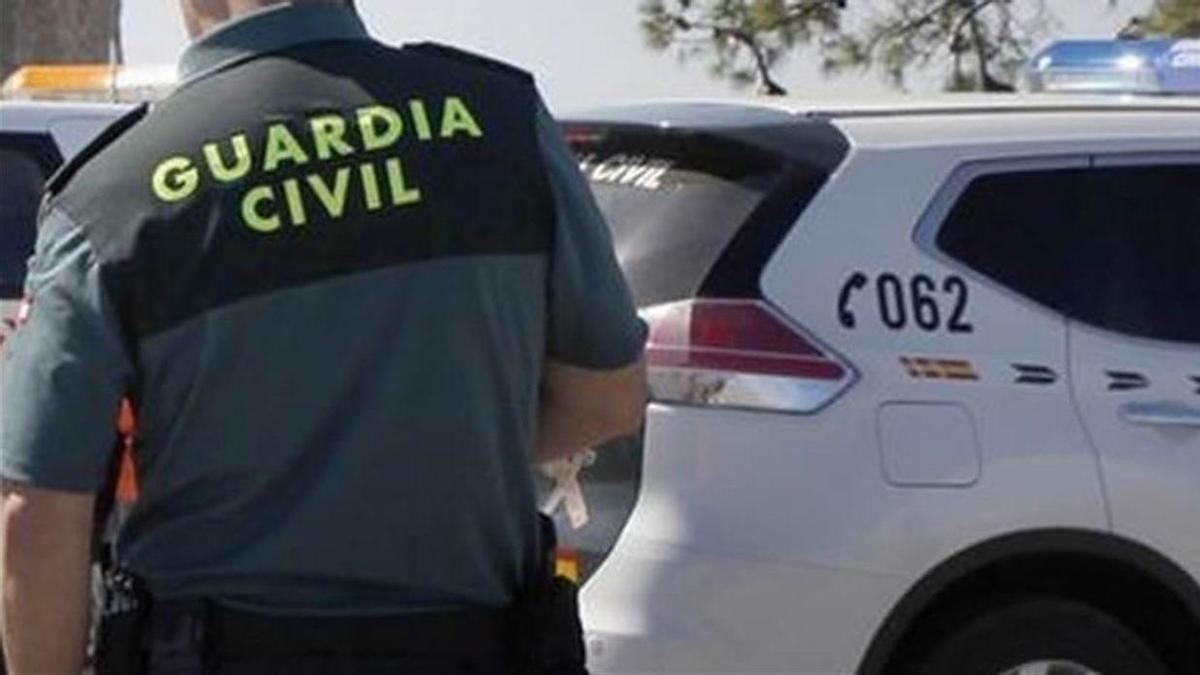 La Guardia Civil investiga el apuñalamiento.