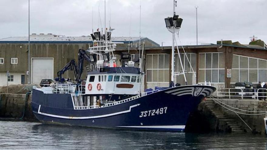 Tres muertos en el naufragio de un barco en Finisterre