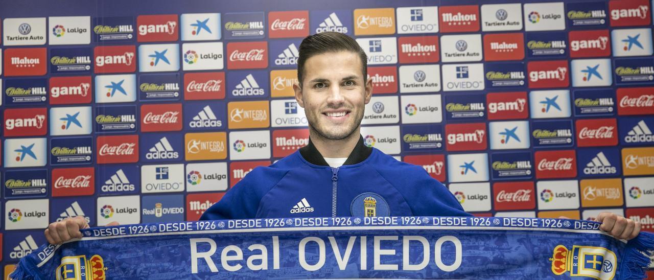 Luismi, en su presentación con el Oviedo