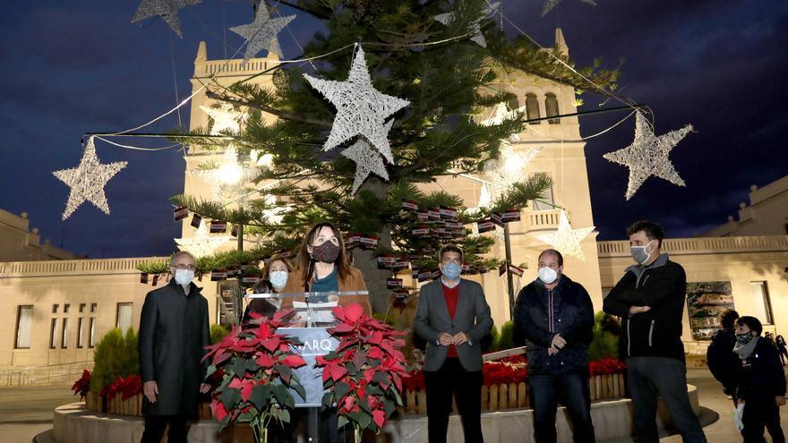 Encendido del árbol de Navidad del MARQ en homenaje al colectivo sanitario