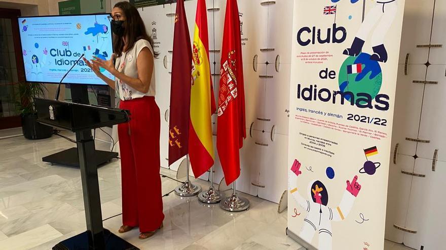 400 jóvenes practicarán idiomas gratis en los clubes municipales de Murcia