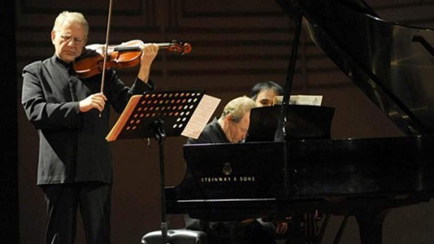 Shlomo Mintz, violín & Itam Golan, piano