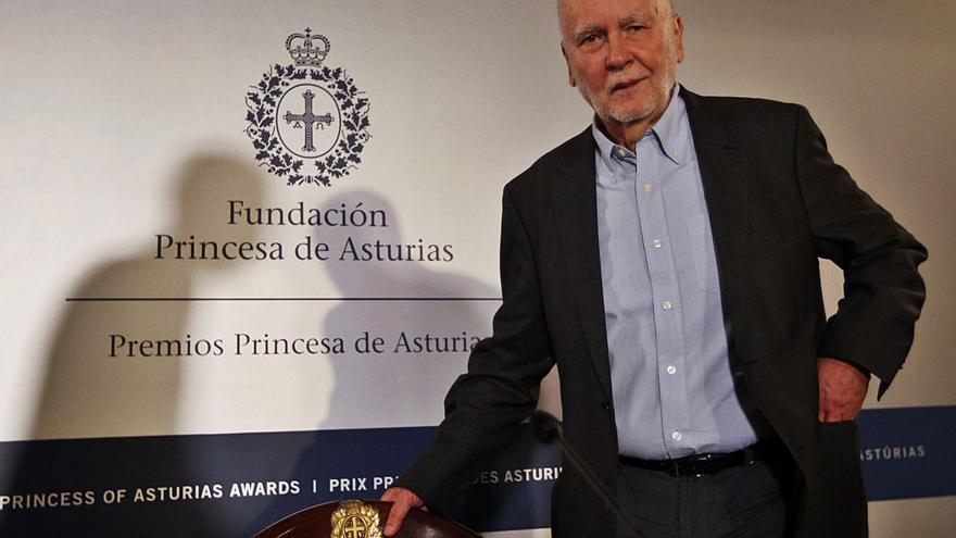 """Fallece el poeta polaco Adam Zagajewski, premio """"Princesa"""" de las Letras en 2017"""