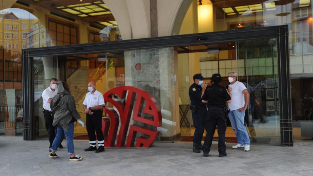 Aislados los jugadores del Fuenlabrada dentro del hotel Finisterre