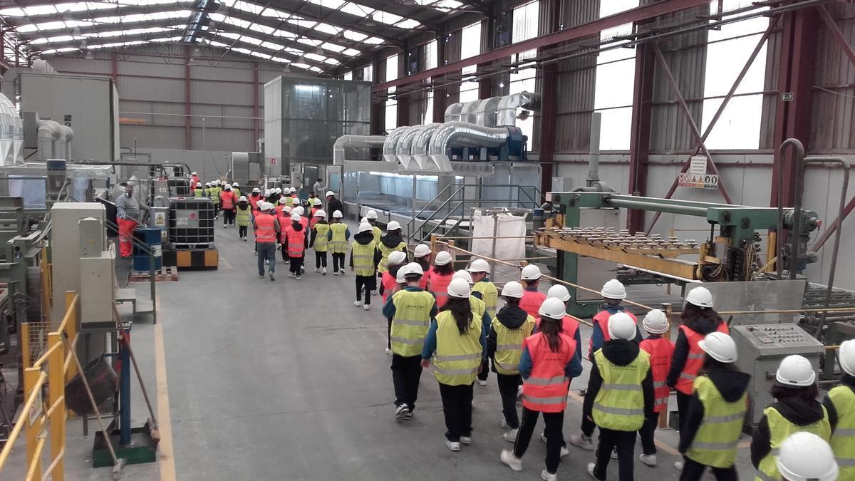 Visita a la fábrica del Grupo Levantina.