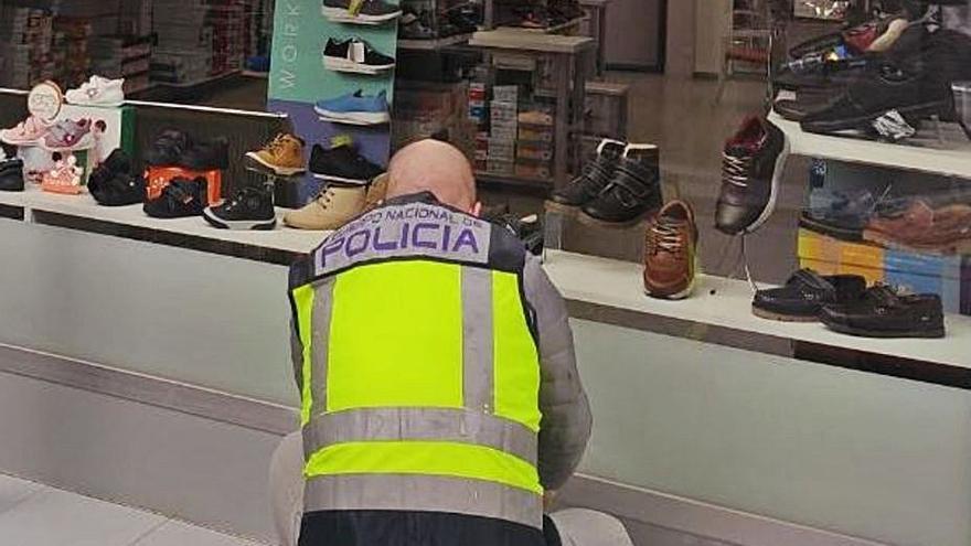 Tres detenidos por el robo en seis comercios y en un restaurante en Elche