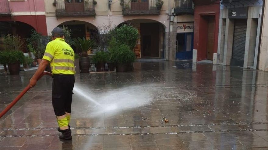 L'empresa de neteja de Castelló d'Empúries reprèn tots els serveis