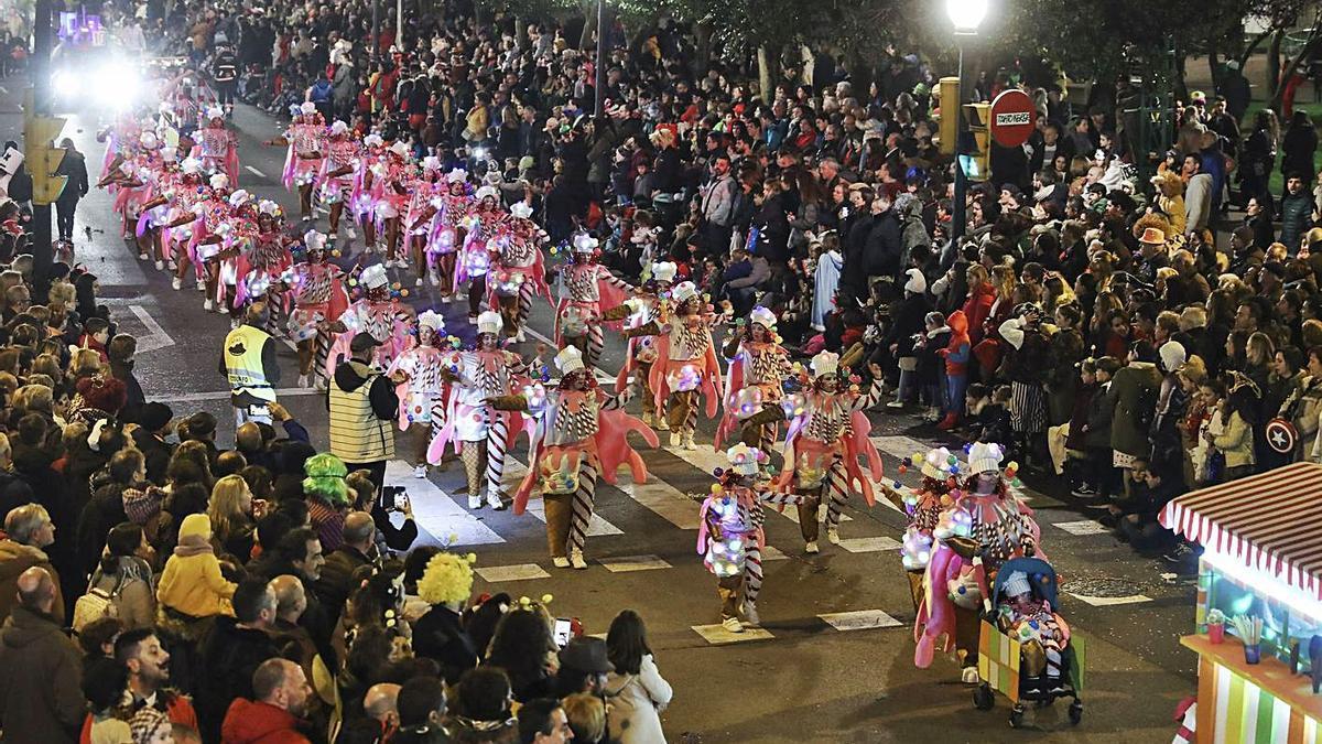 Desfile del Antroxu de hace un año por las calles de Gijón. | Julián Rus