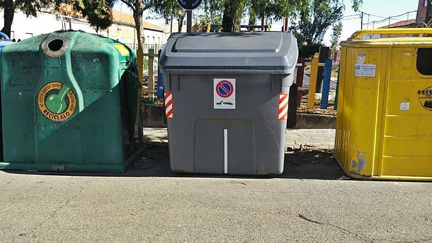 Burón se defiende con más informes de las críticas por el servicio de basura