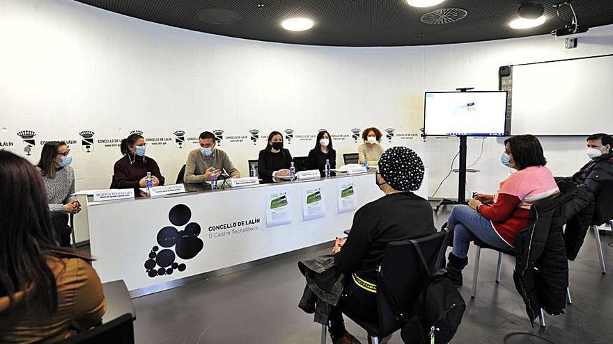 Publicación educativa y charla de igualdad en Lalín