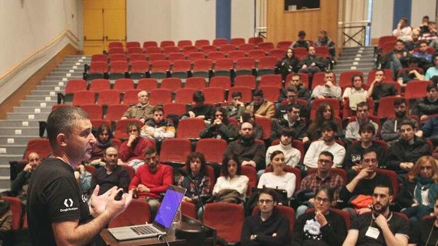 Cien personas integran la comunidad de desarrolladores de Google en Ourense