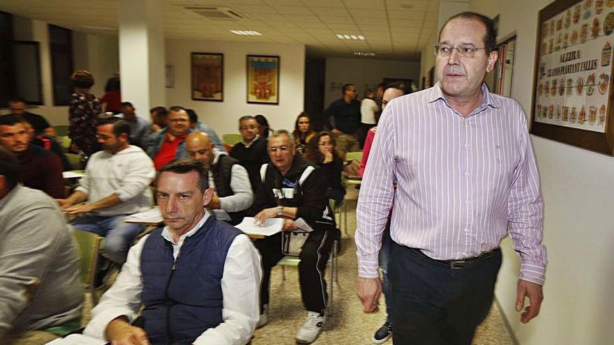 Las fallas de Alzira elegirán la fecha aplazada de las fiestas en asamblea