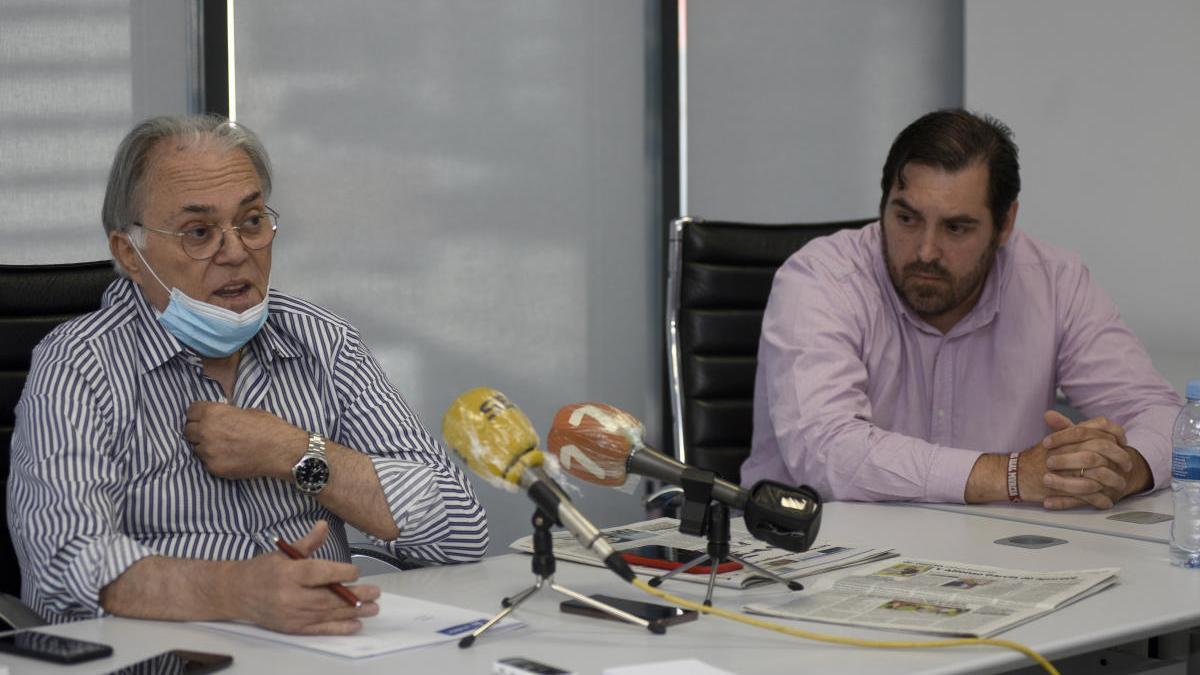 Núñez Mediavilla y Quique Baeza, en la rueda de prensa de ayer.