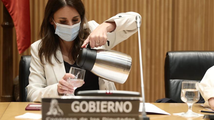 Rechazan una denuncia contra Irene Montero por malversación en una campaña LGTBI