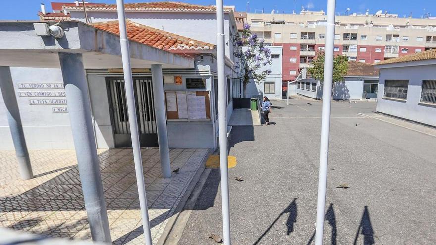 El Ayuntamiento de Torrevieja gastó 91.109 euros sin contrato para preparar el inicio de curso en los colegios