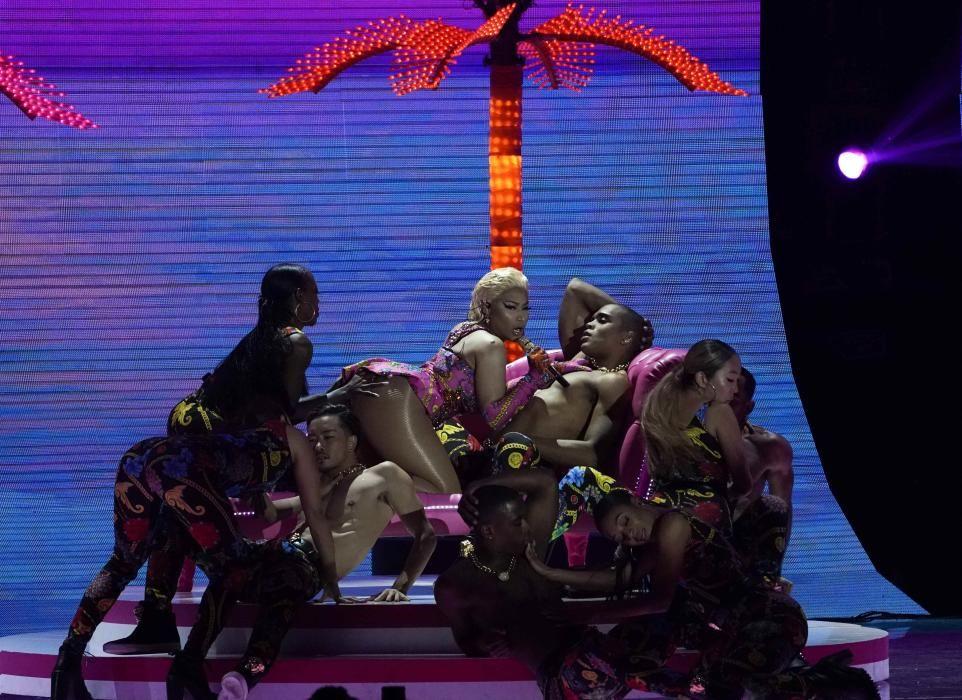 Singer Nicki Minaj performs at the 2018 MTV ...
