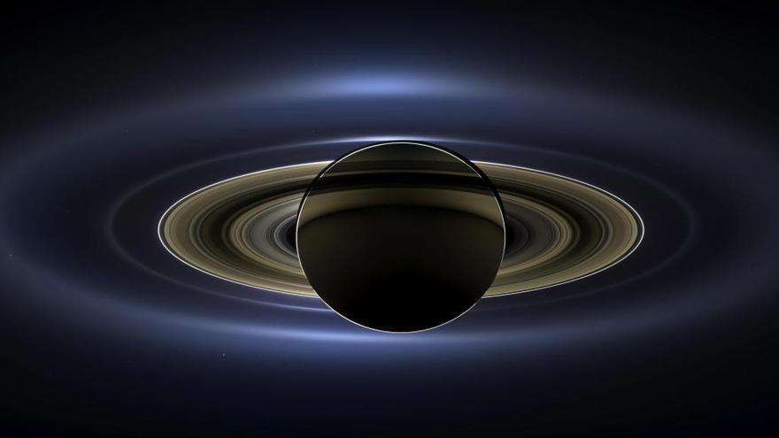 Titán se aleja de Saturno 100 veces más rápido de lo creído