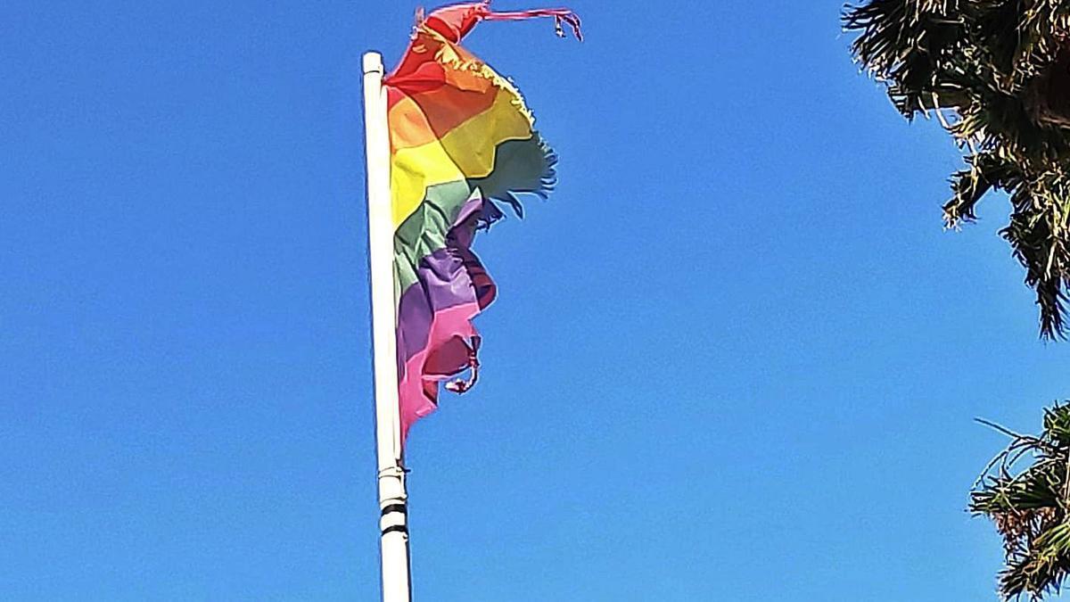 Estado de la bandera LGTBI de Marbella