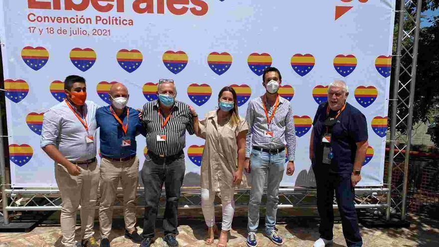 Miembros de Cs de Cangas apoyan en Madrid que se potencien las agrupaciones