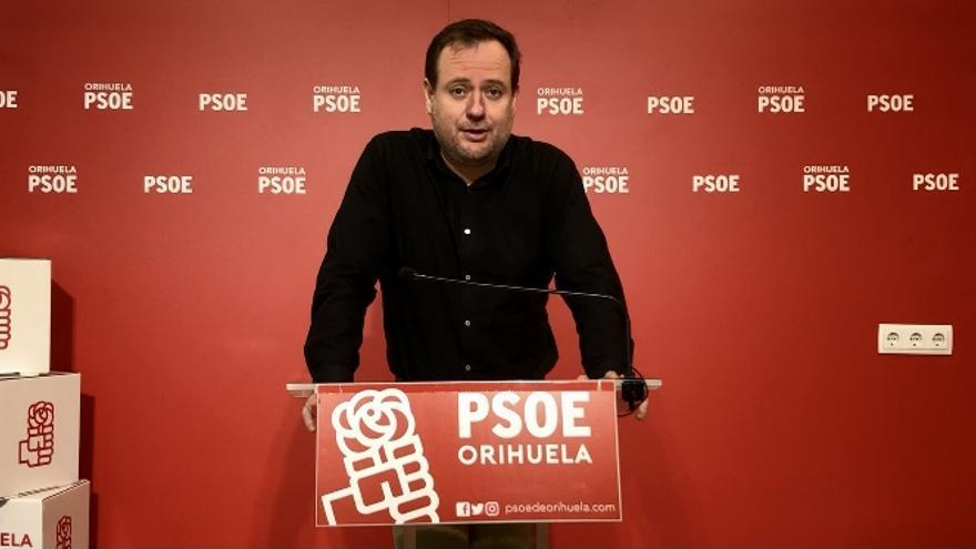 El PSOE de Orihuela insta a reabrir el andén que da acceso al centro de especialidades