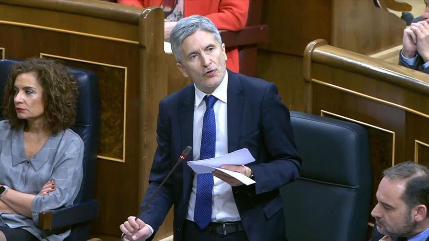 Marlaska acusa a Vox de xenofobia