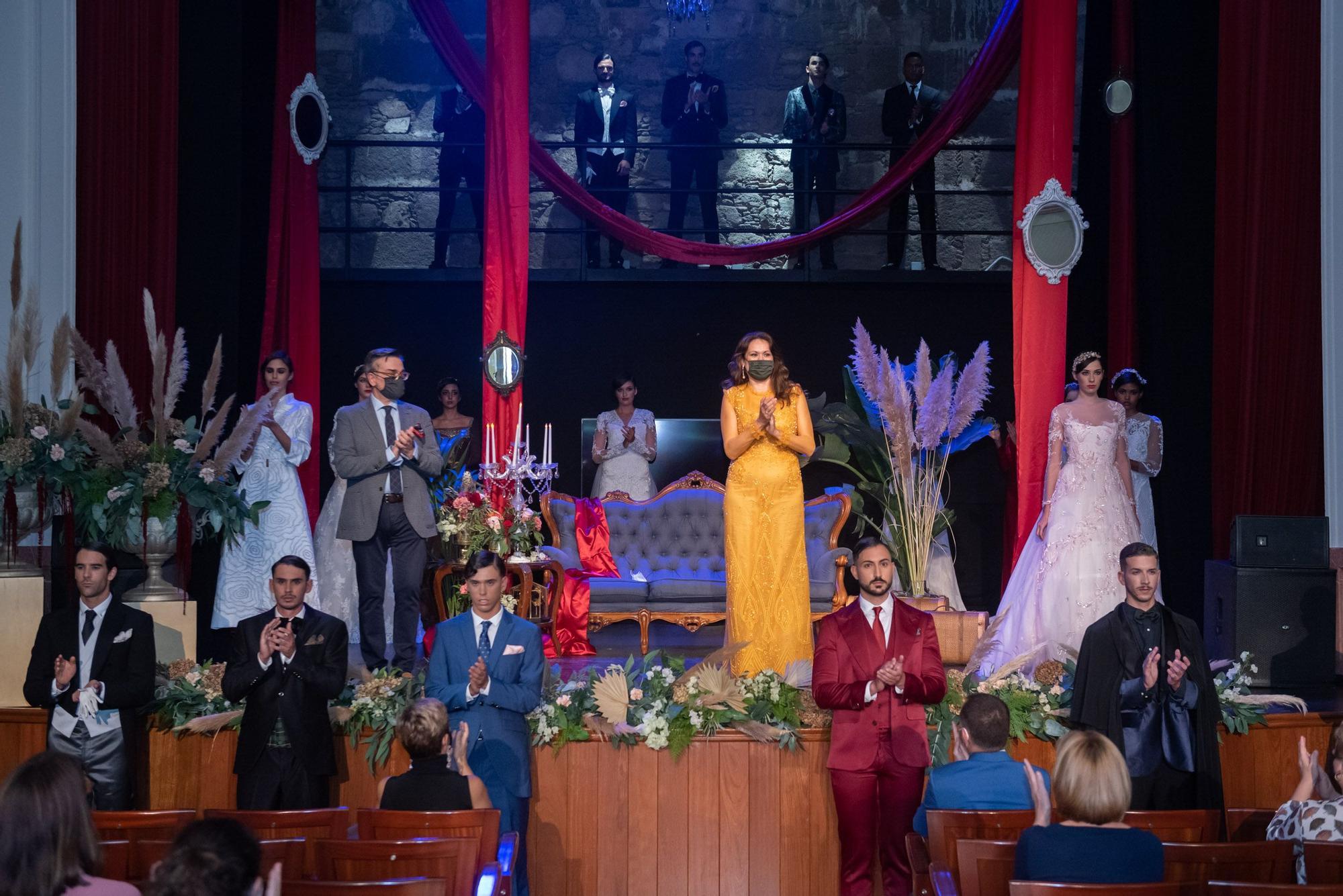 Desfile de Ogadenia Díaz y Lucas Balboa en Moda Cálida