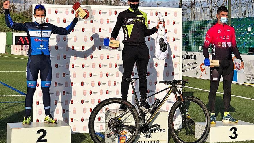 El ciclocross zamorano firma tres podios bajo la lluvia de Guijuelo
