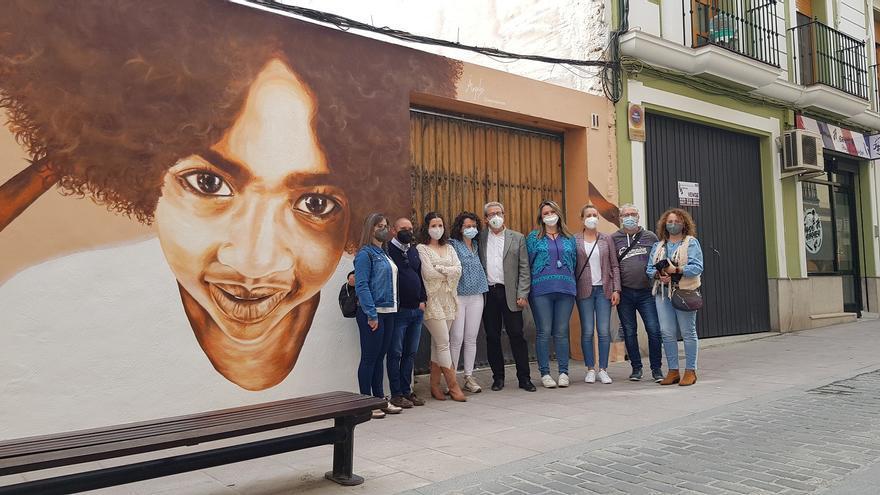Mural contra la discriminación racial en Lucena