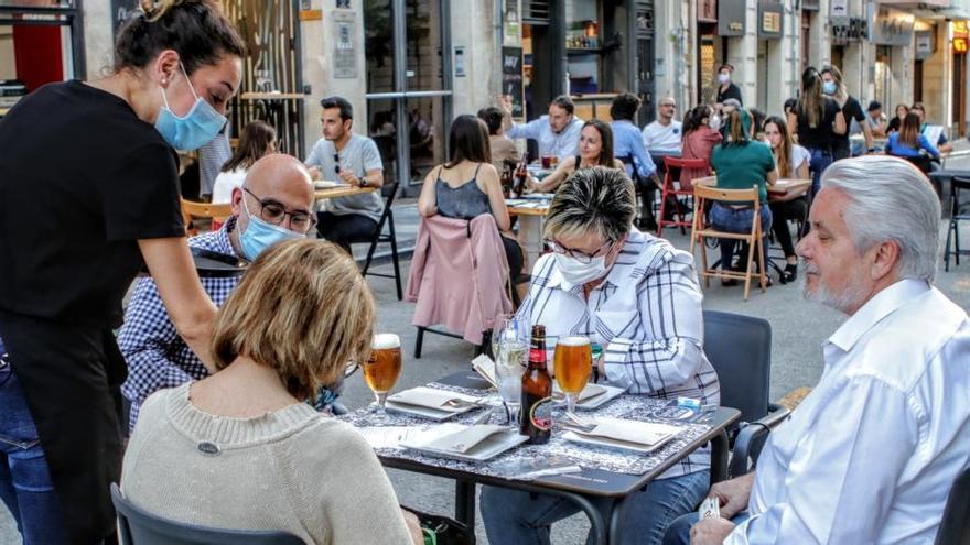 La campaña de verano generará 15.700 contrataciones temporales en Alicante