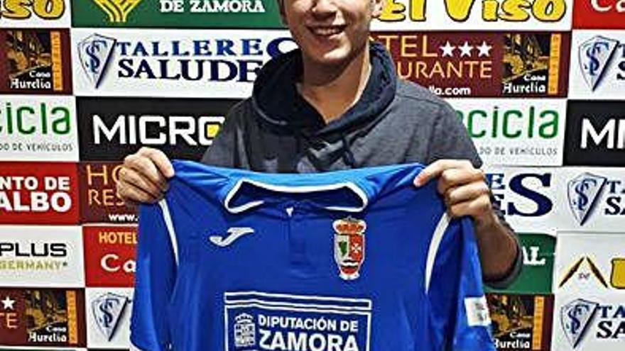 El delantero Raúl González llega al Villaralbo para aportar calidad y goles