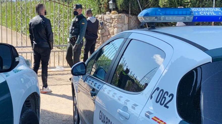 Multa hasta de 60.000 euros a 147 personas por acudir a una fiesta ilegal en una villa de Ibiza