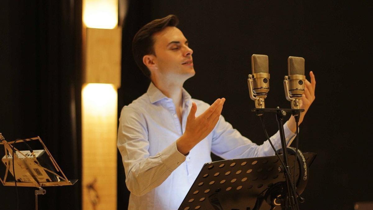 El tenor cordobés Pablo García-López dedica su primer álbum a la canción española